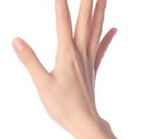 手の甲にもヒアルロン酸